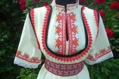 Изработване на народни носии