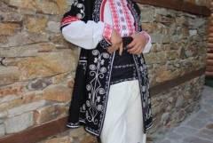 Изработка на народни носии